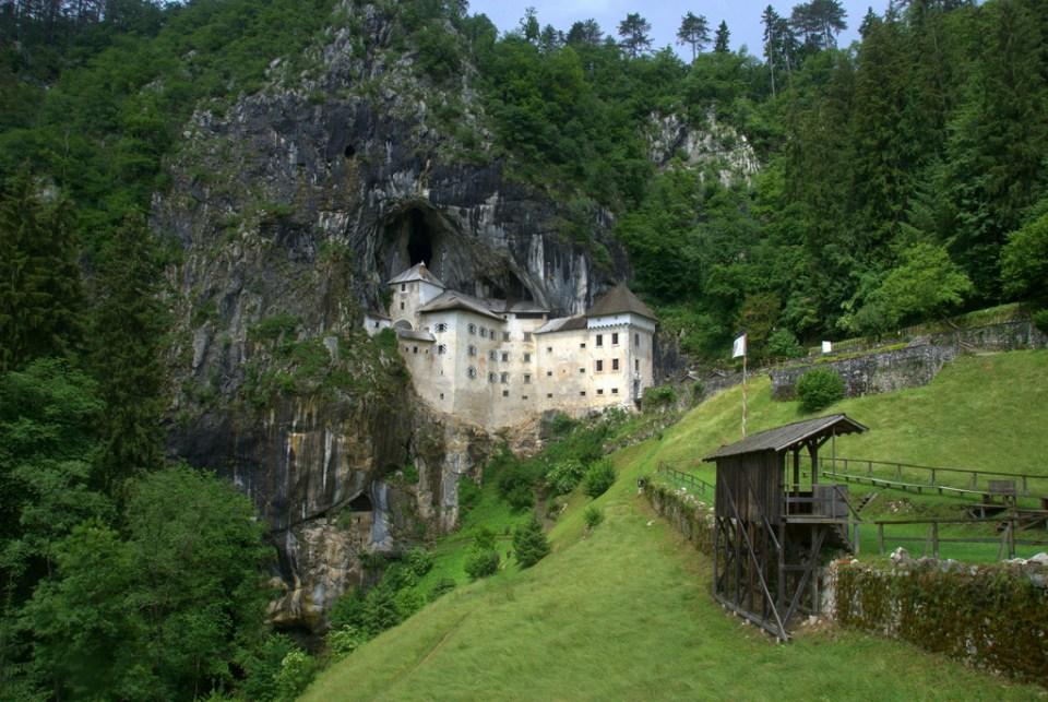 Predjama_Castle5