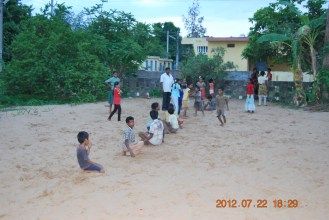 Children playing kho-kho