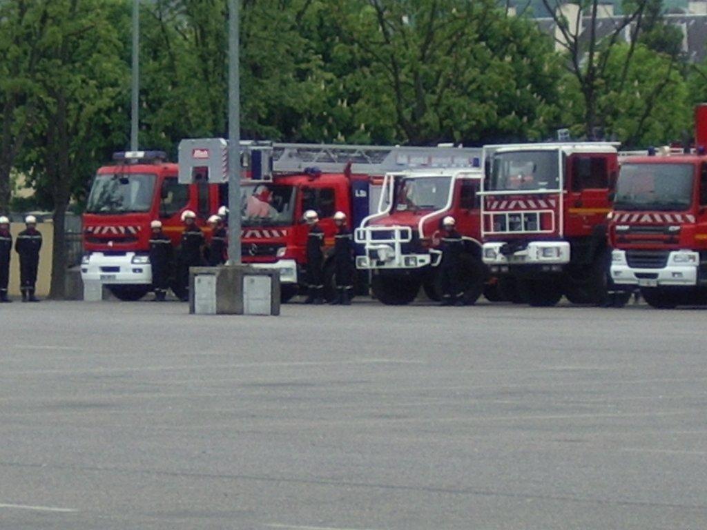 Bureau sam le pompier véhicules des pompiers français page 1669