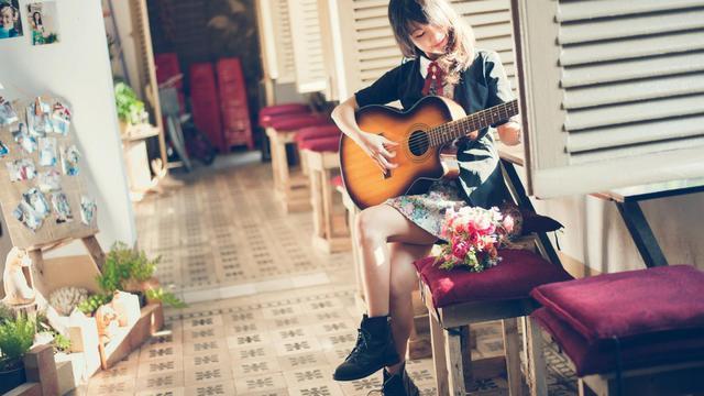 Attitude Girl Hd Wallpaper 吉他美女高清 高清壁纸图片 清纯美女 回车桌面