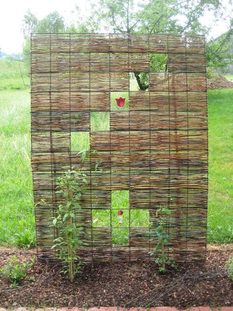 Pinterest - ruinenmauer im garten