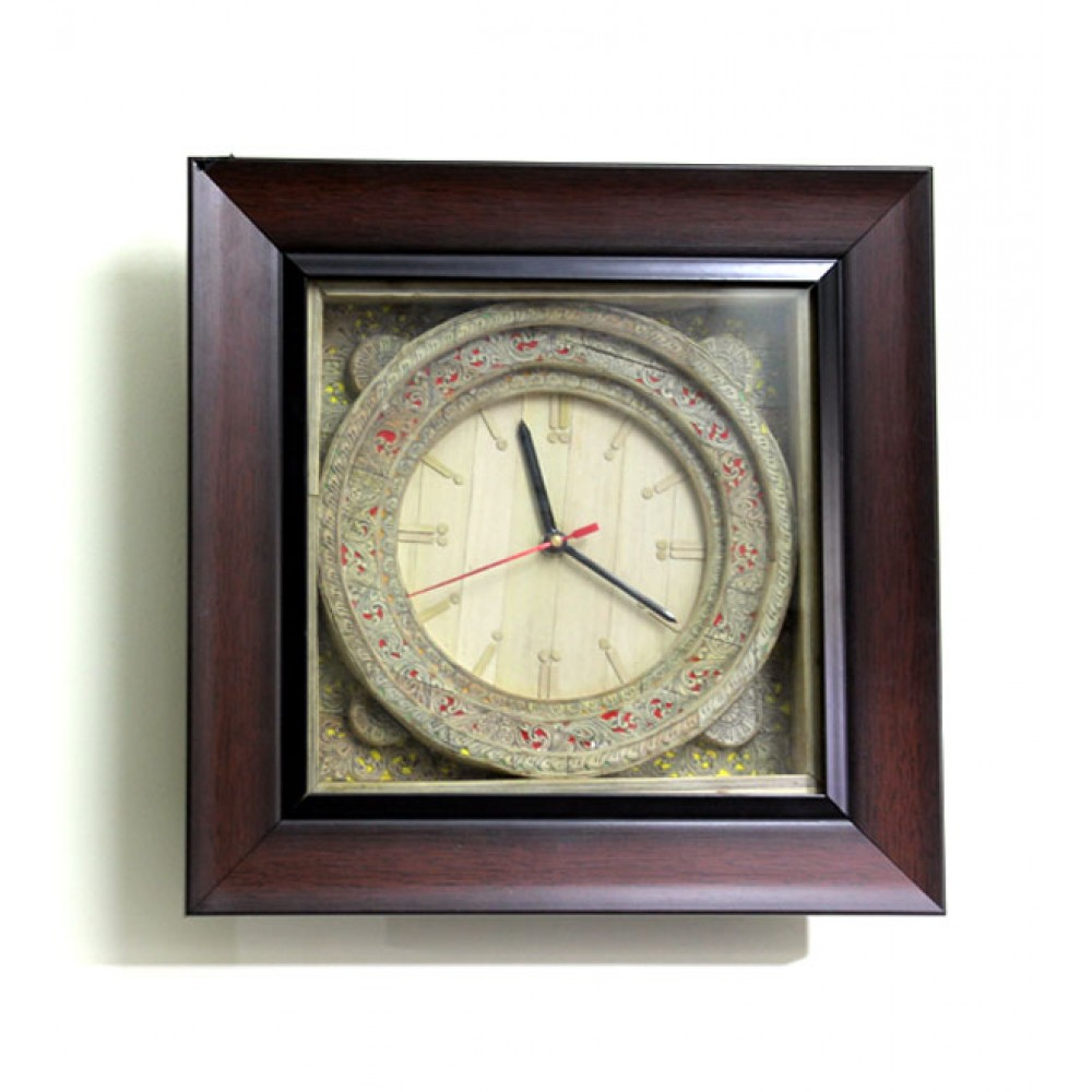 Buy Clock Palm Leaf Patachitra Wall Clock Buy Online Palm Leaf Patachitra