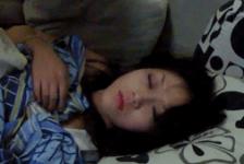 Plusone8 đang ngủ ngon lành ck bảo dậy chịch