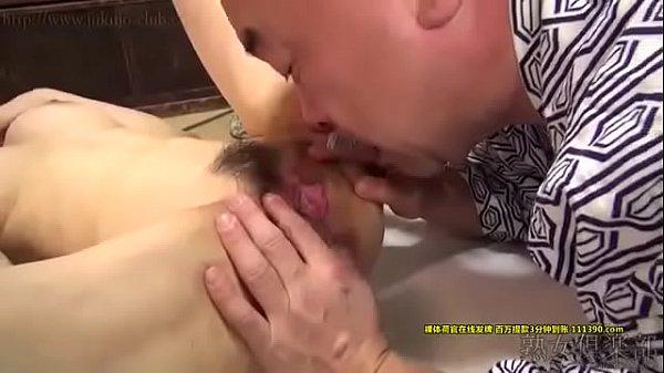 Phim sex hd bố chồng bú lồn con dâu loạn luân hay vkl