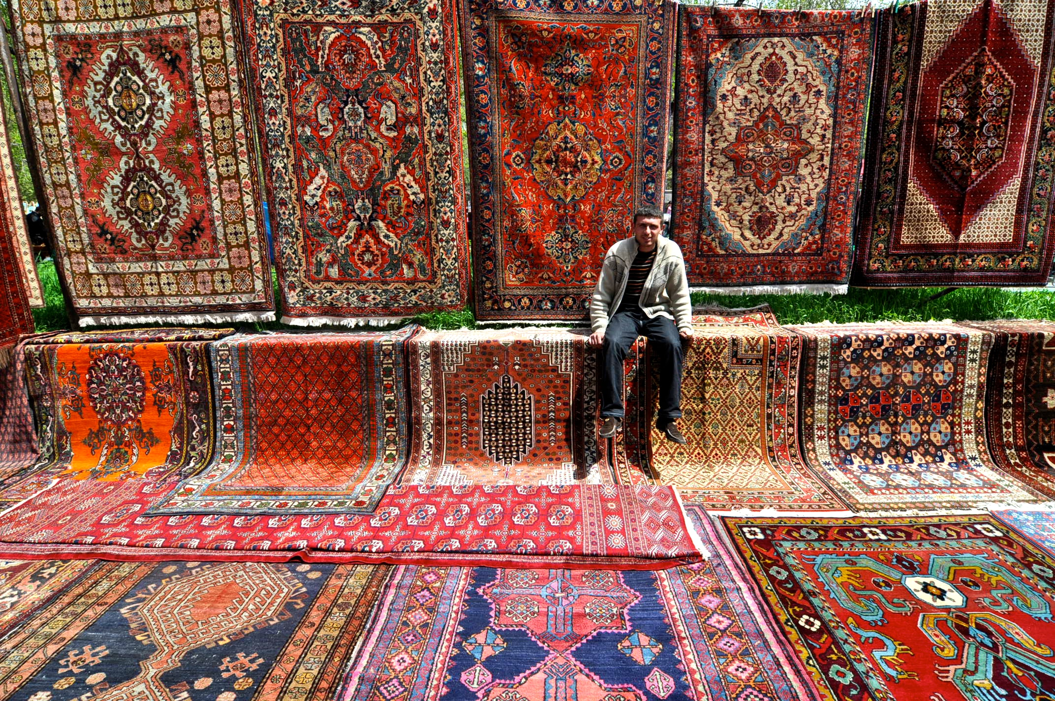 Teppiche Wiki File Yerevan Vernissage Carpets Jpg Wikimedia Commons