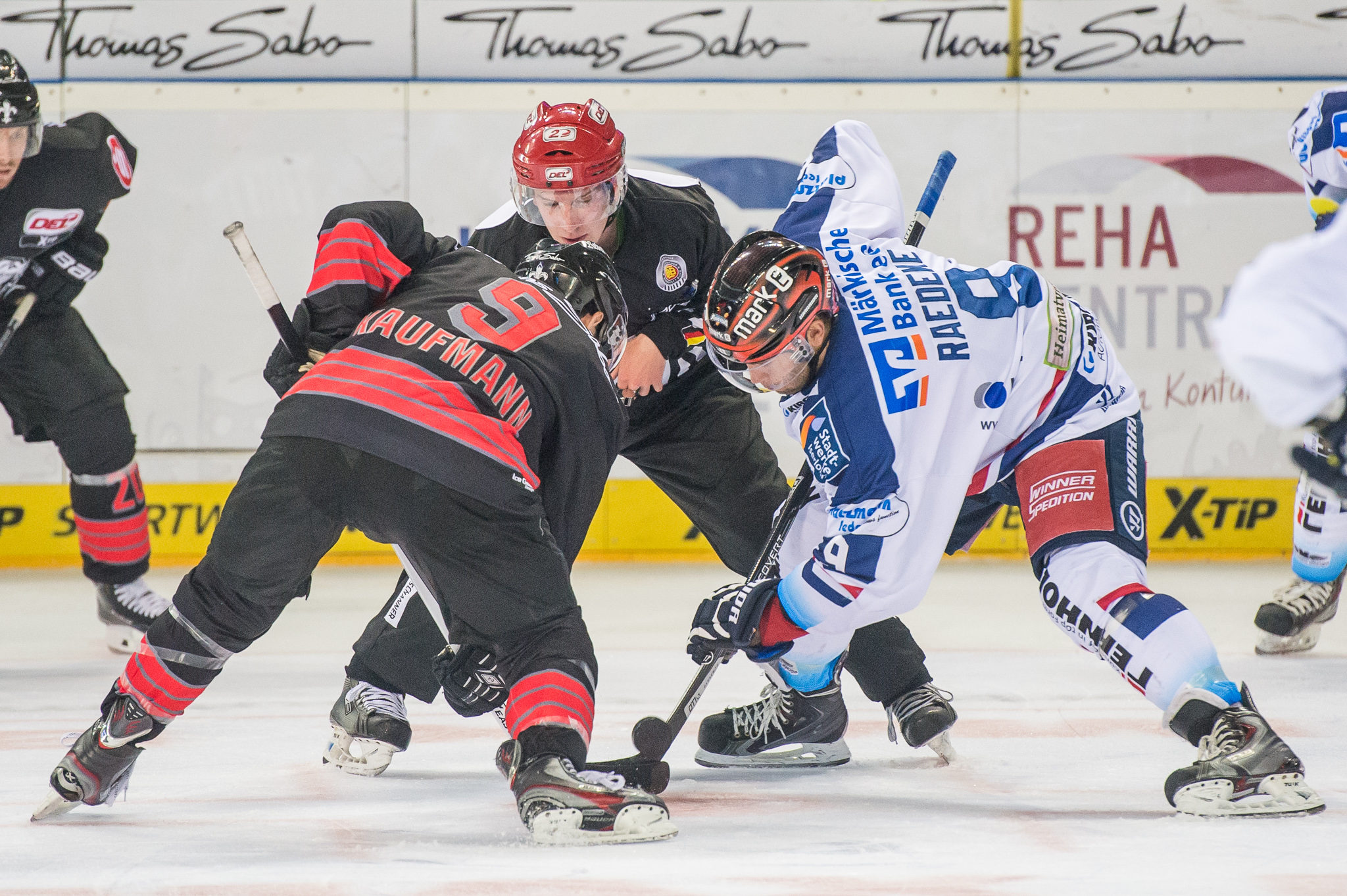 Iserlohn Rooster File 2014 Del Nuernberg Ice Tigers Iserlohn Roosters By 2eight