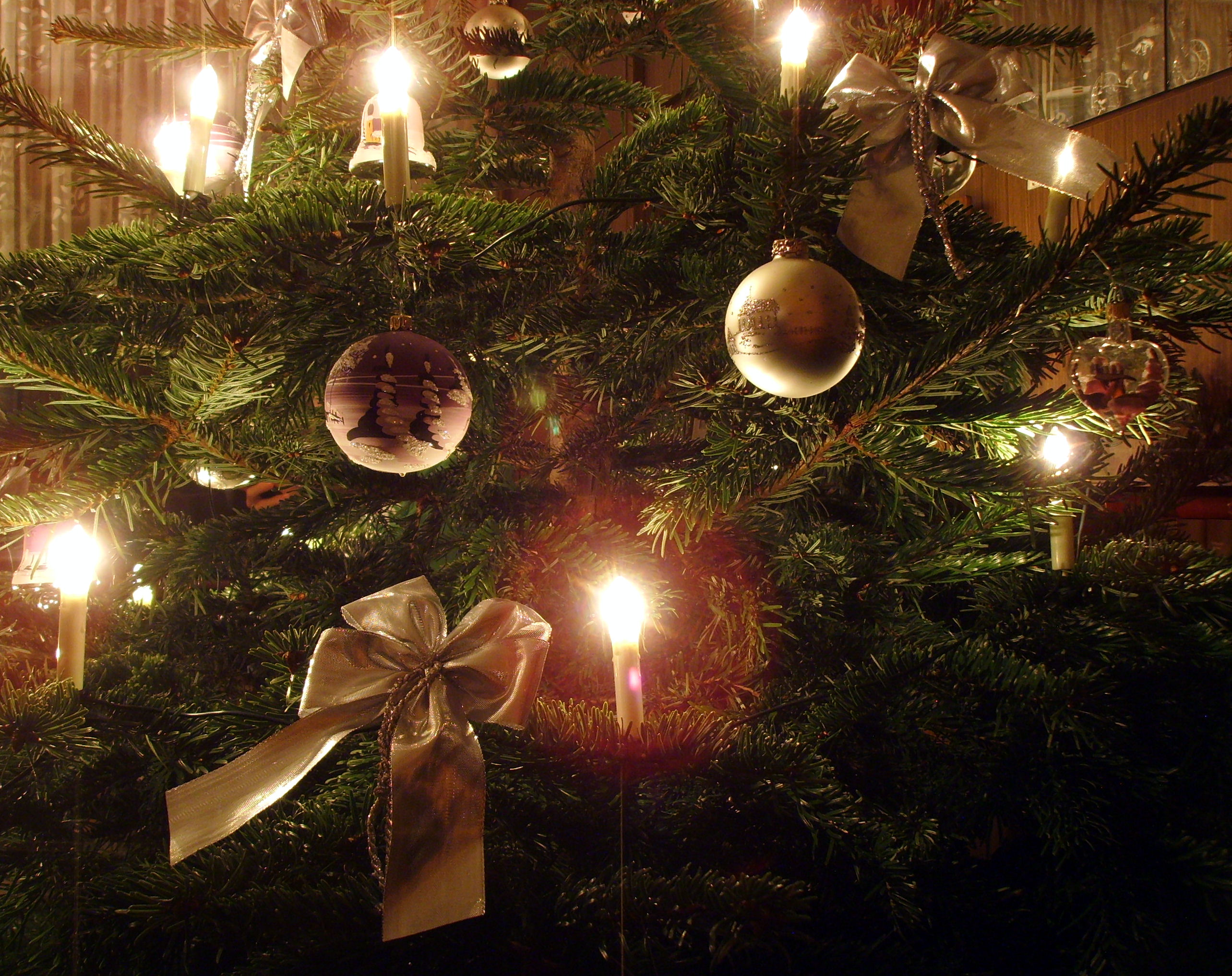 Candle Wallpaper Hd Archivo Candle On Christmas Tree 6 Jpg Wikipedia La