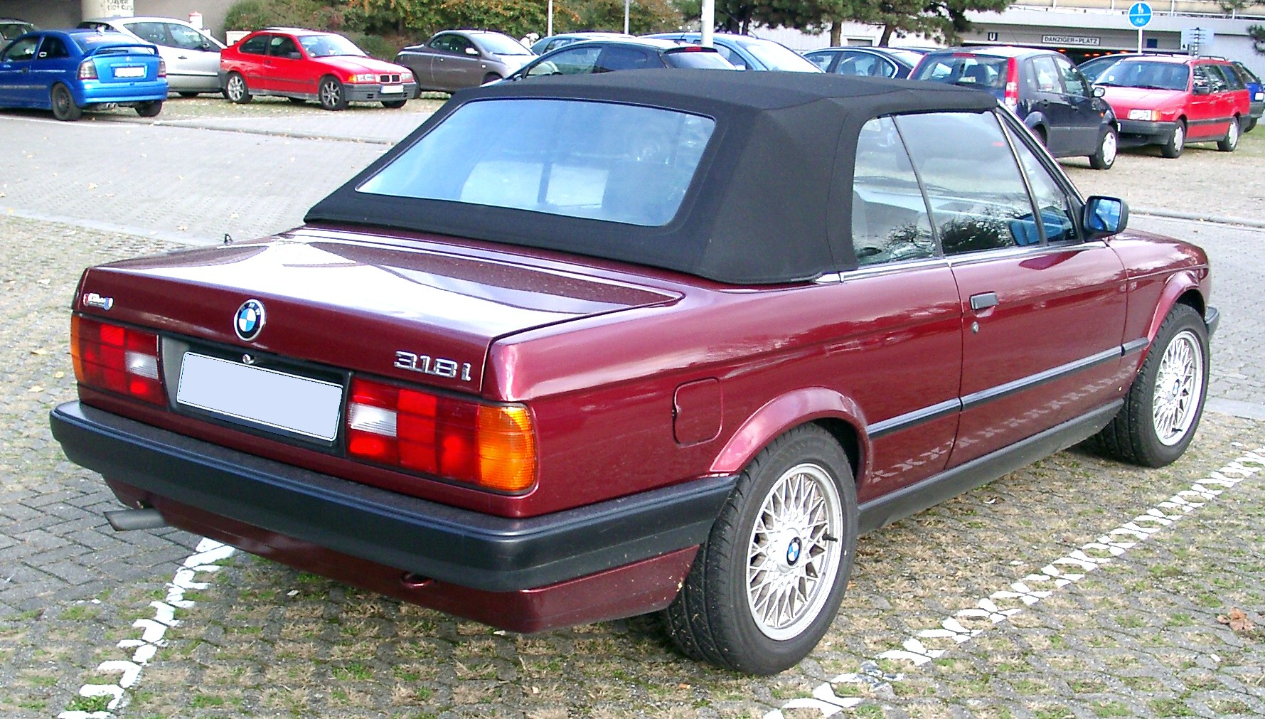 Anthrazit Metallic Bmw Bmw E30 Wikiwand