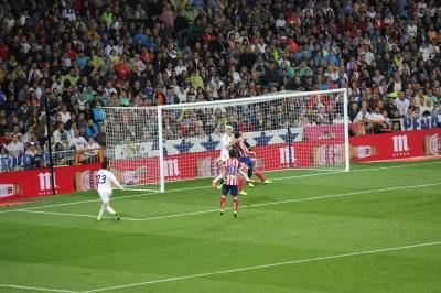 File:Real Madrid vs. Atlético Madrid 28 September 2013 set 6.JPG - Wikimedia Commons