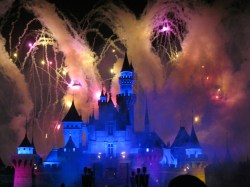 Description Hong Kong Disneyland by Denn.jpg