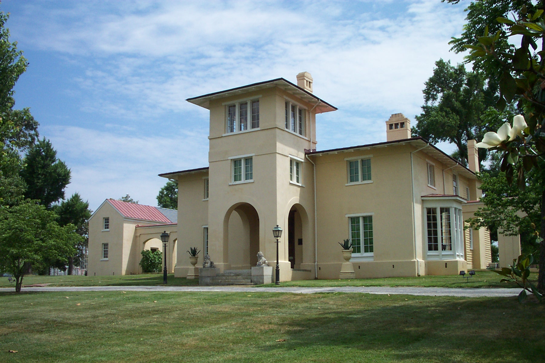 Italianate Farmhouse Blandwood Mansion And Gardens Wikipedia