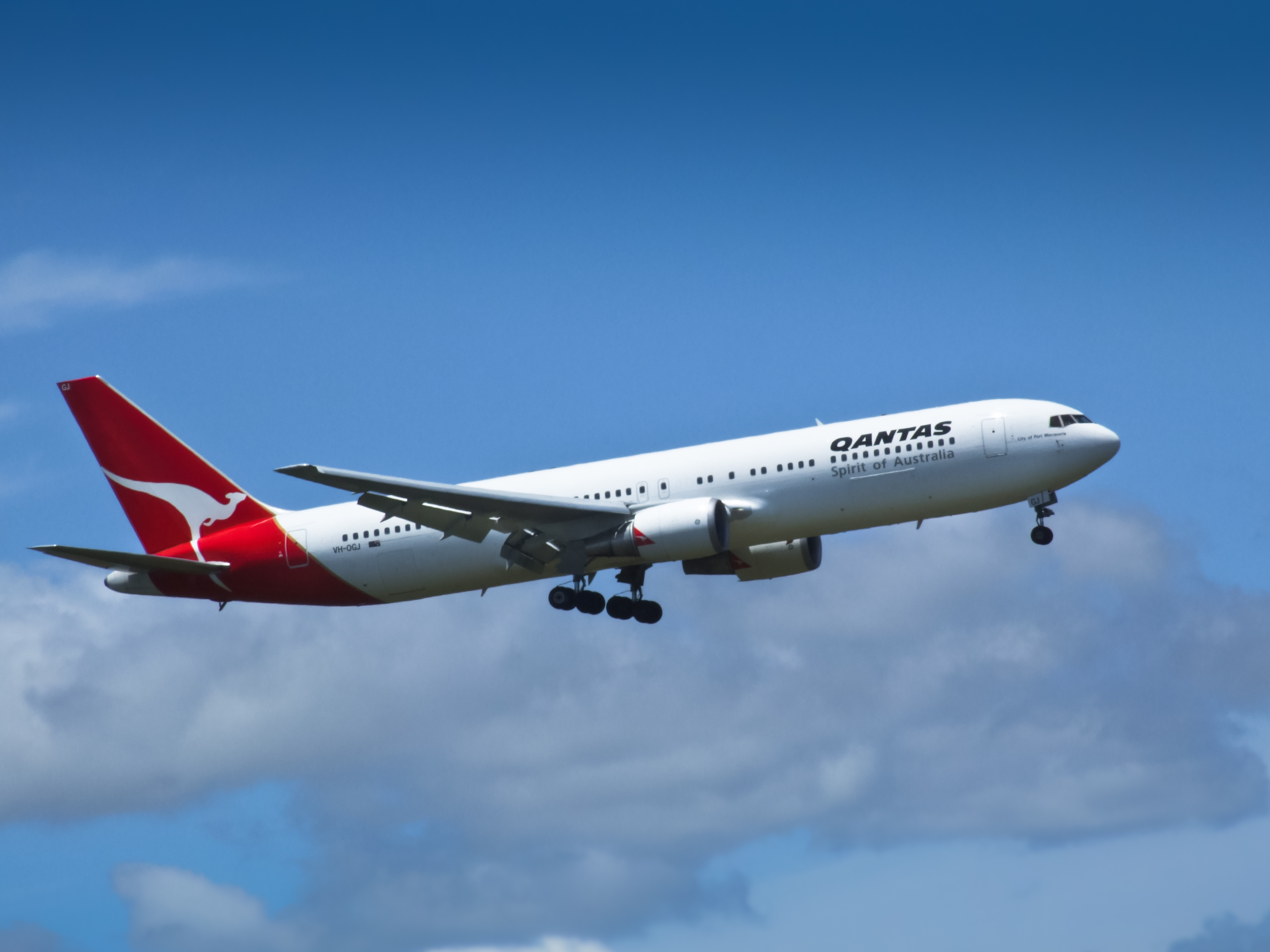 Best Wallpapers Hd 1366x768 File 01 Qantas Vh Ogj Boeing 767 Jpg Wikimedia Commons