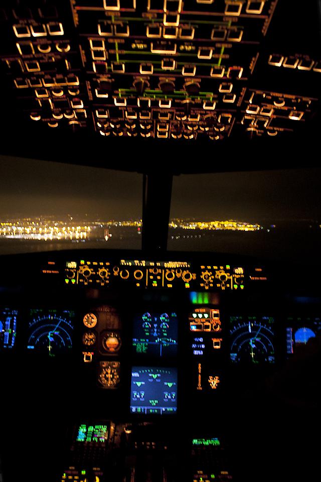 Cockpit Hd Wallpaper File Final Runway 02 Night Procedures 5668883239 Jpg