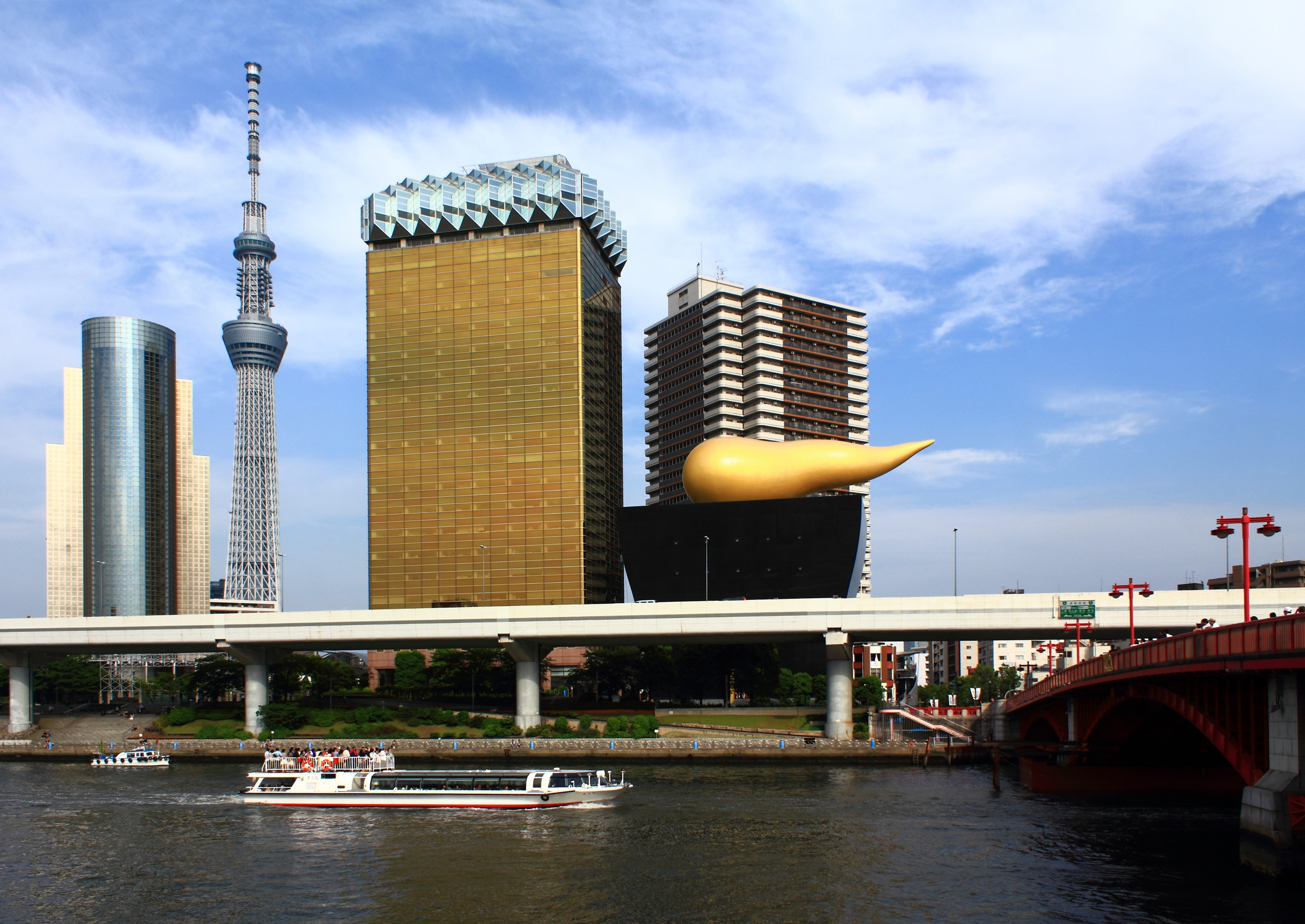 Philippe Starck File:skytree & Asahi Breweries Building, From Azumabashi