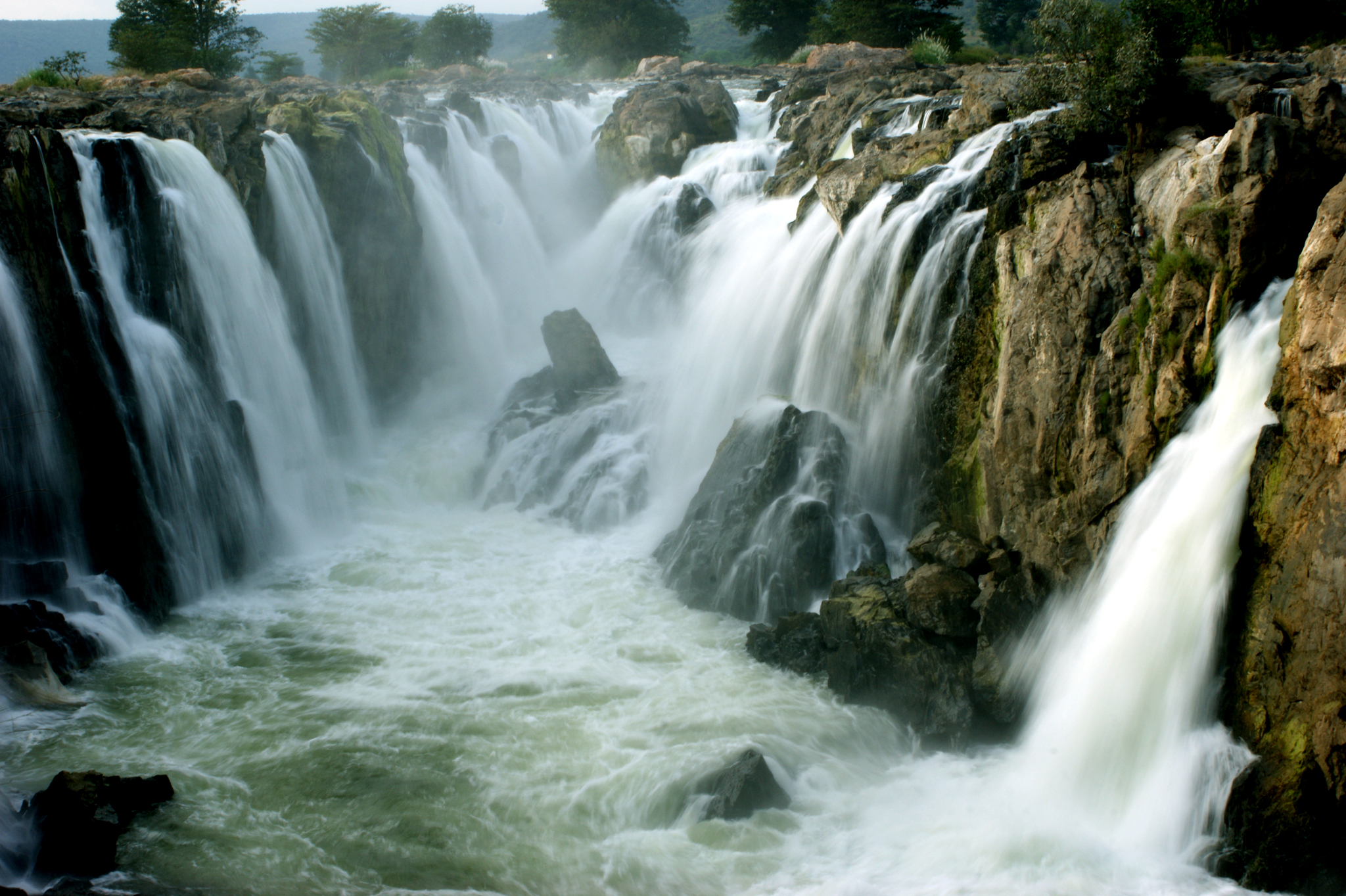 Free Live Fall Wallpaper File Hogenakkal Falls A Close Look Jpg Wikimedia Commons