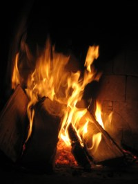 File:Fire burning in a fireplace.jpg