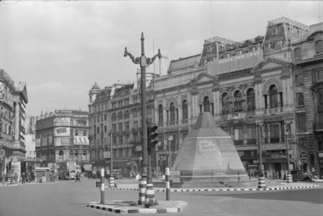 File:Air Raid Precautions in Central London, England, UK, 1941 D3607.jpg