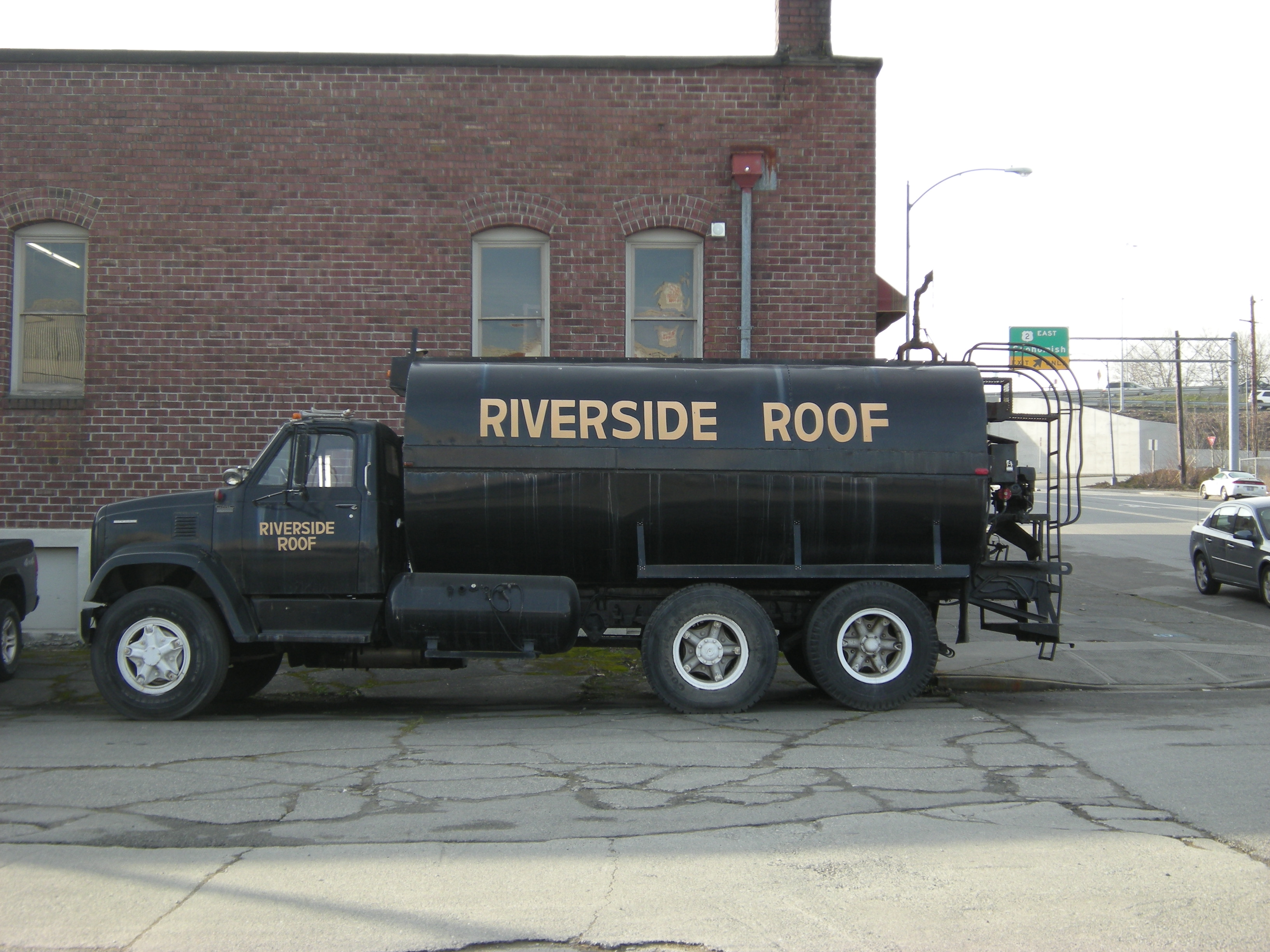 Roofing Tar File Everett Riverside Roof Tar Truck Jpg Wikimedia Commons