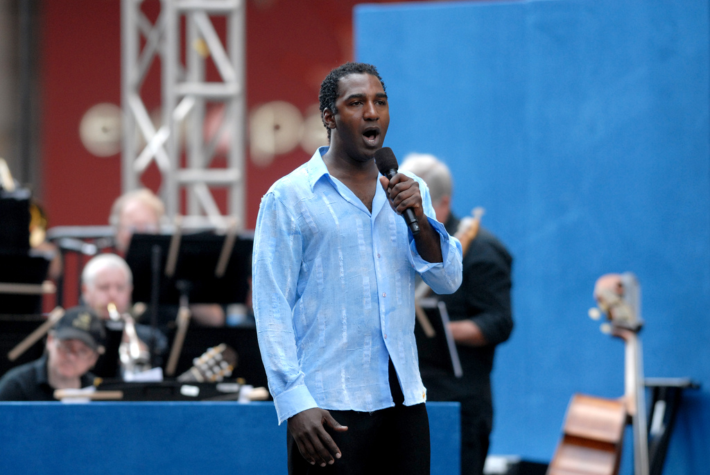 Norm Lewis - Wikipedia