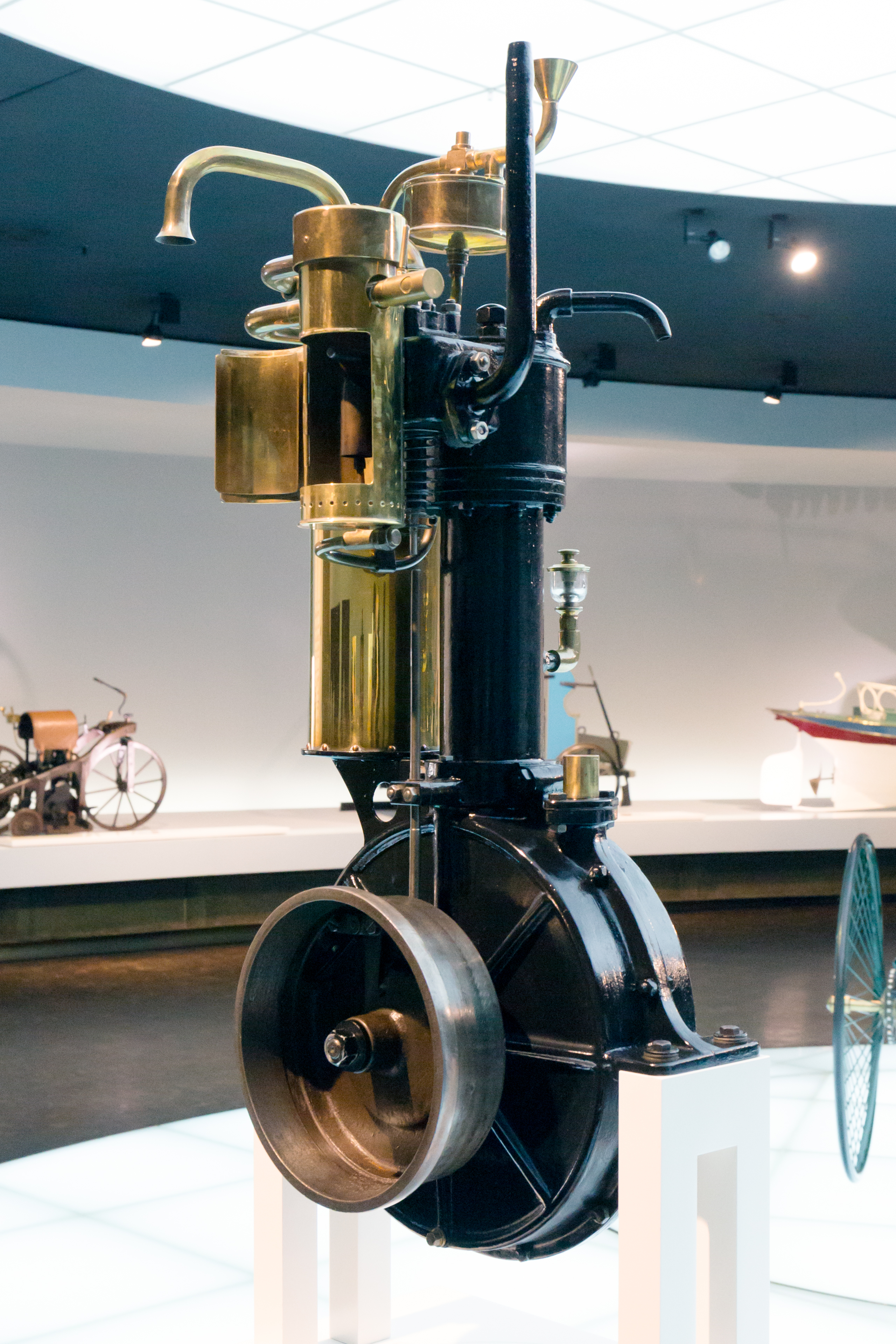 Standuhr Digital File Daimler Standuhr Engine 1 Mercedes Benz Museum Jpg