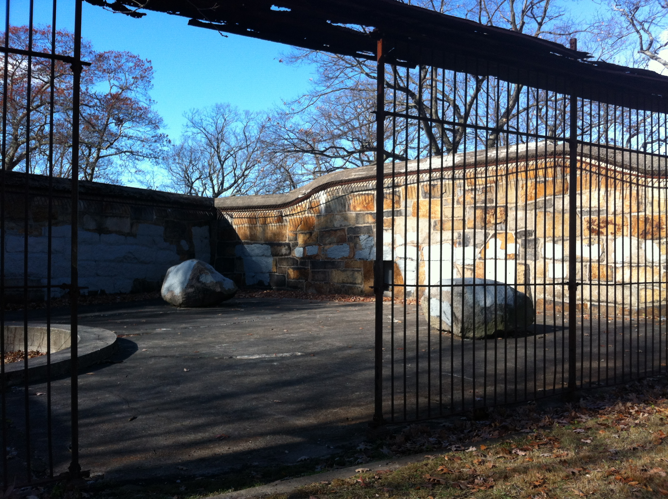 Limas Garage East Taunton Ma The Most Insane Abandoned Places In Massachusetts Thrillist