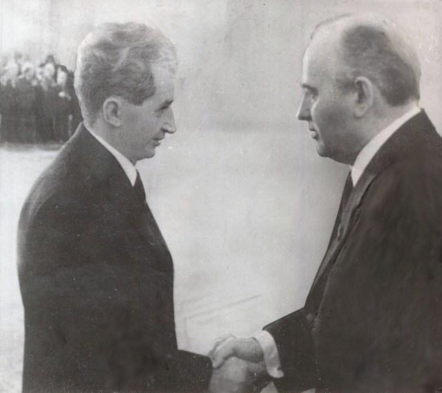 Resultado de imagen para ceausescu gorbachev