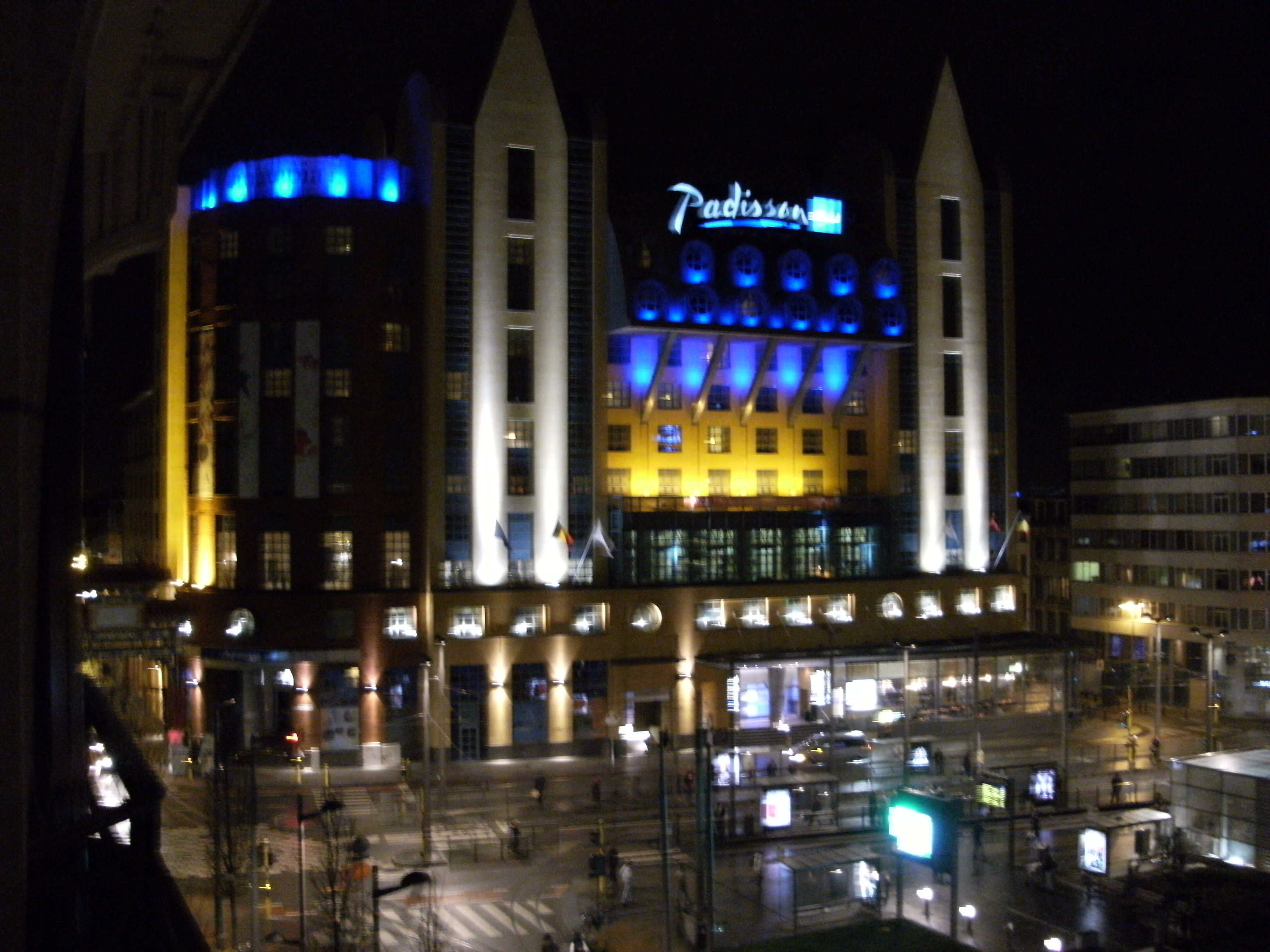 Radisson Blu Antwerpen File Radisson Antwerpen At Night Jpg Wikimedia Commons