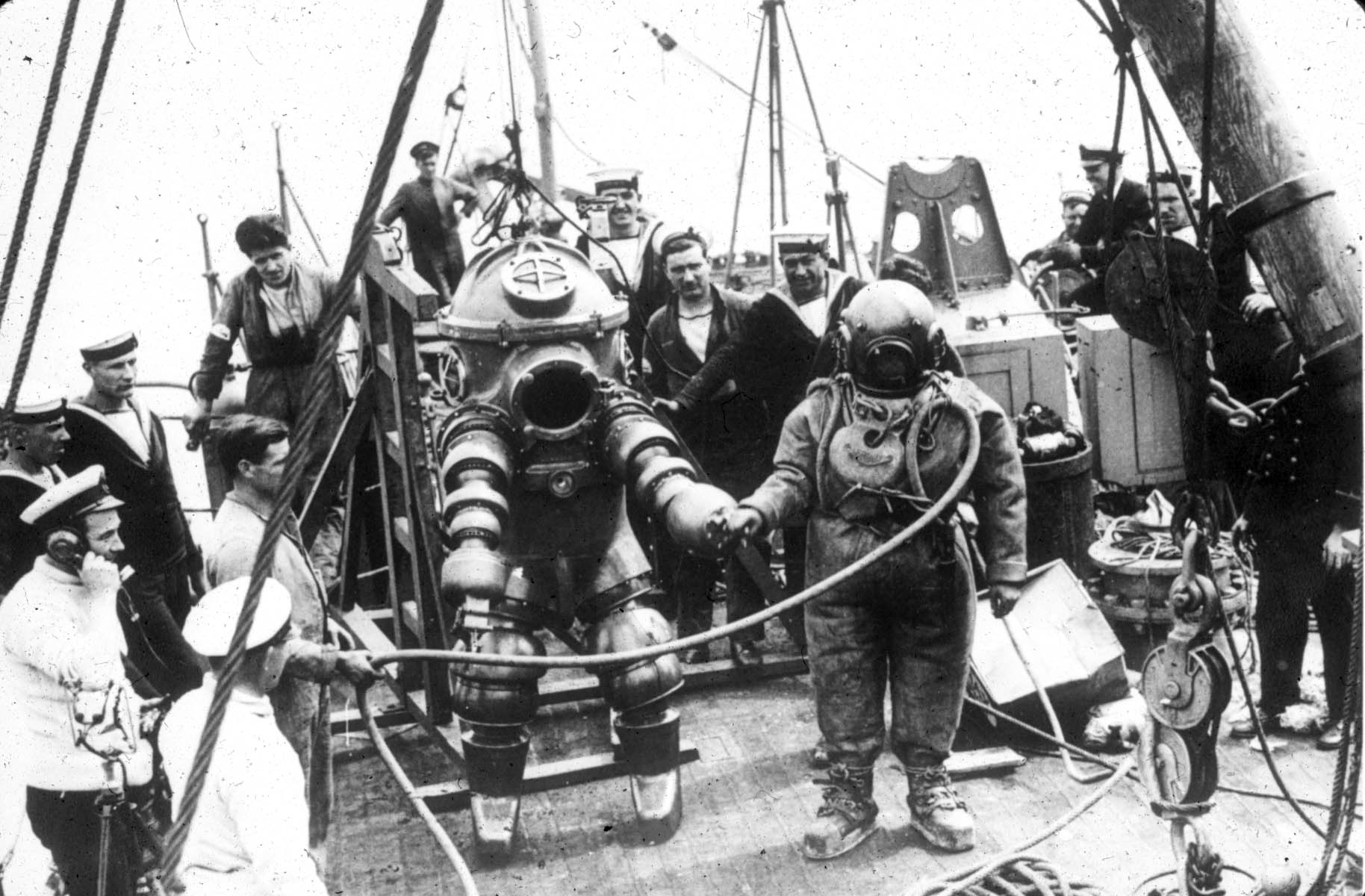 Kis Scuba Box L Diving Suit Wikipedia