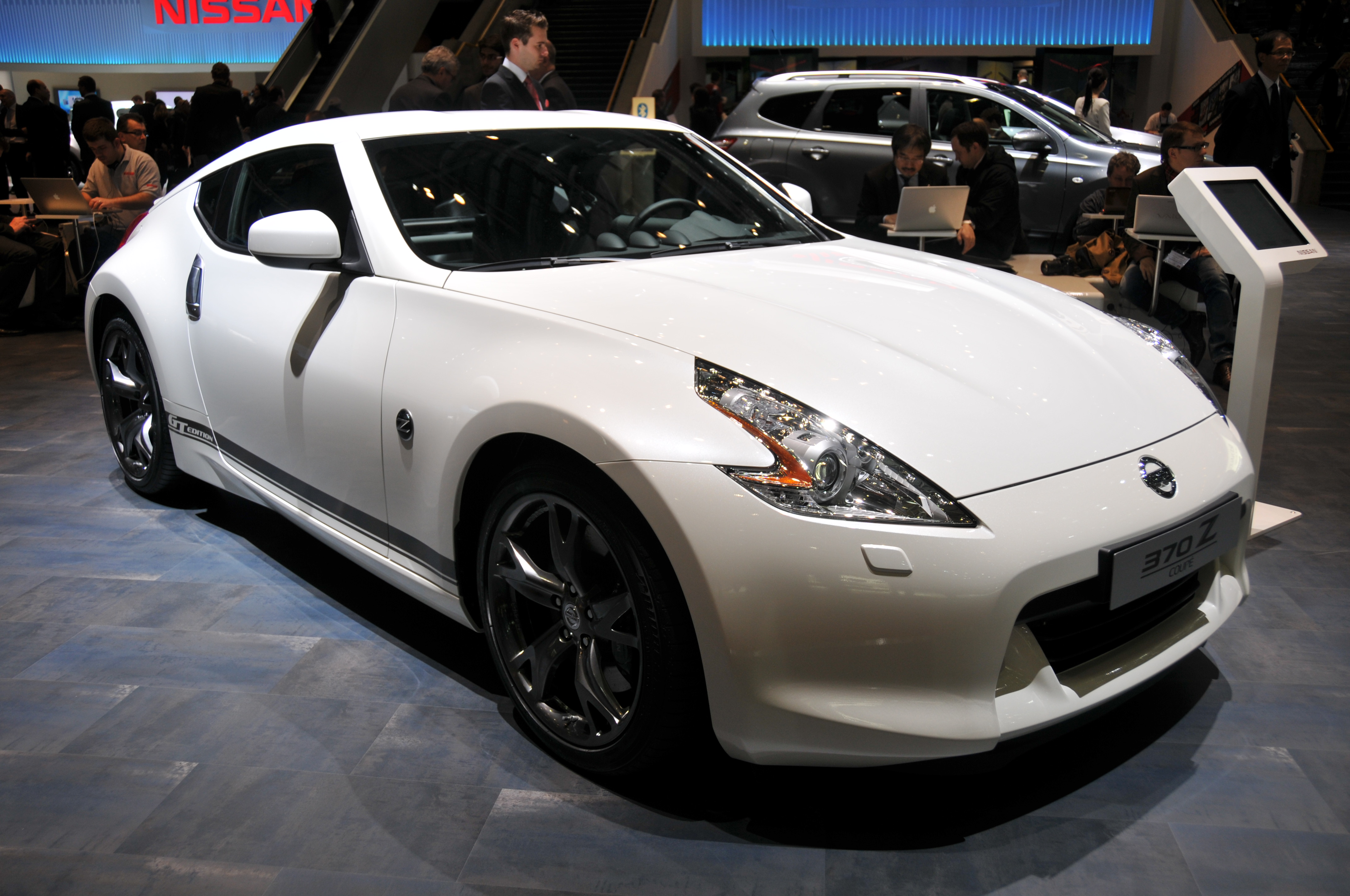 Cube 40 Anthrazit Metallic All-in-one Set Nissan 370z Wikipedia