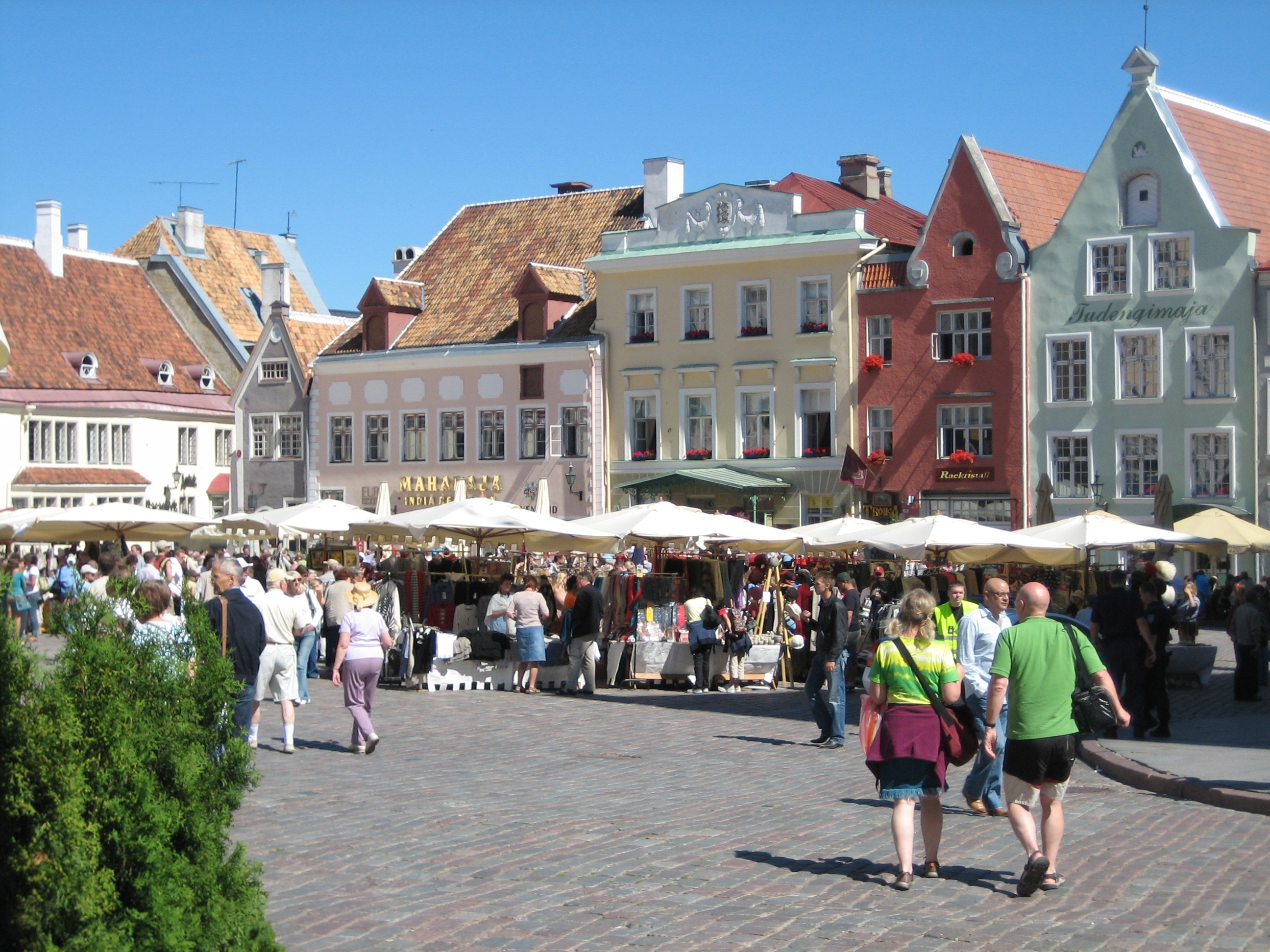 Danzig Wallpaper Hd File A Market Place In The Historical Old Town Of Tallinn