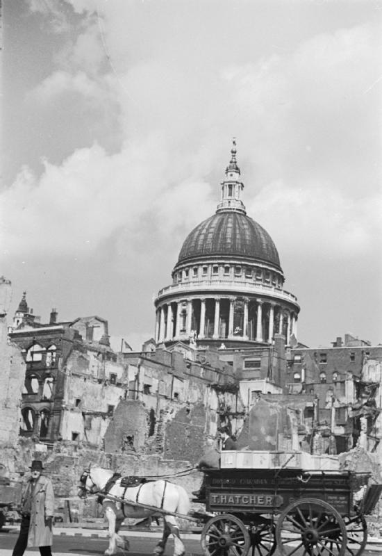 http://i0.wp.com/upload.wikimedia.org/wikipedia/commons/5/50/Aid_From_America-_Lend-lease_Food%2C_London%2C_England%2C_1941_D4325.jpg?resize=550%2C800&ssl=1