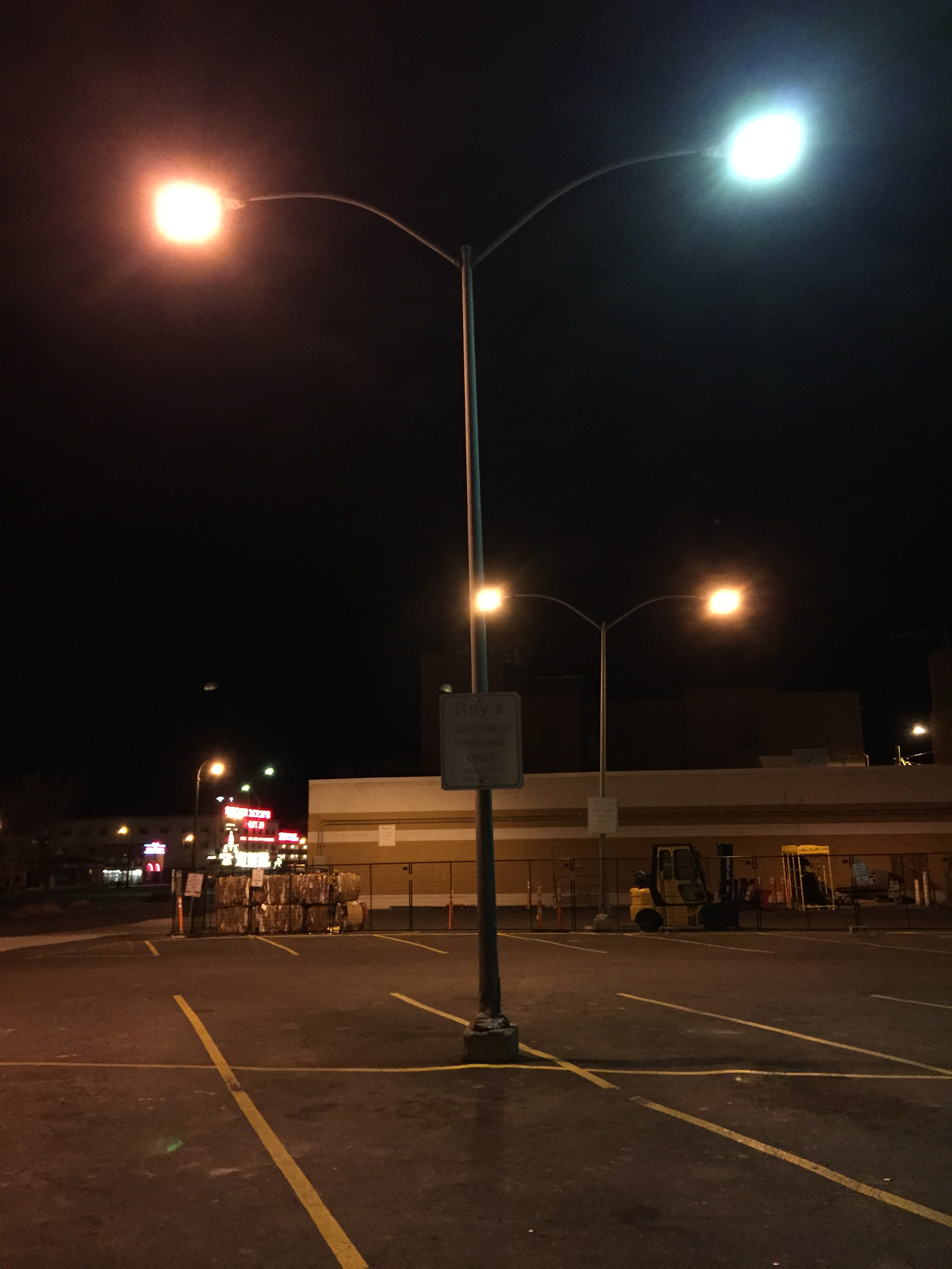 File2015 02 09 02 48 45 Street Light Post With Both