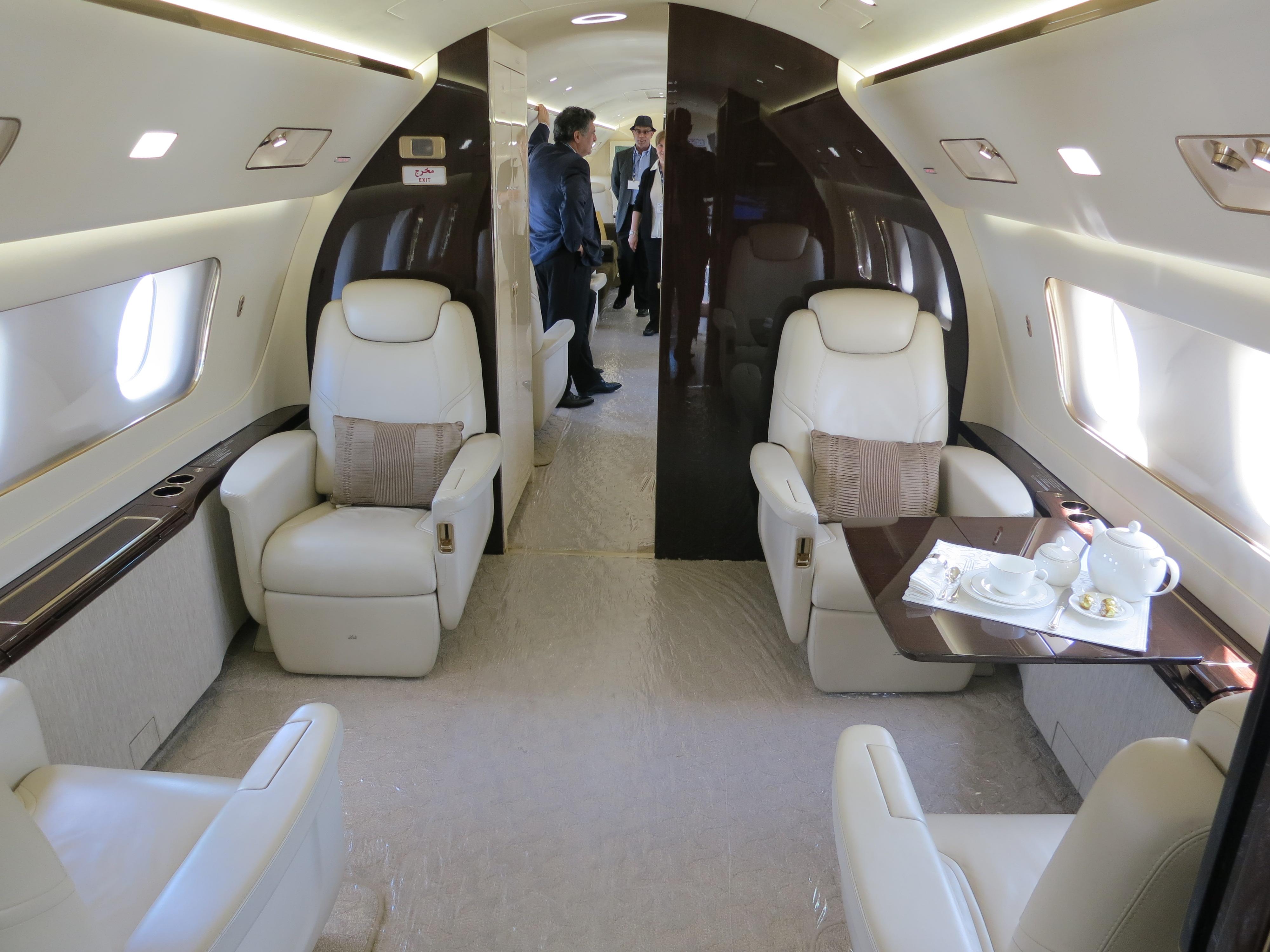 File embraer lineage 1000 interior forward cabin jpg