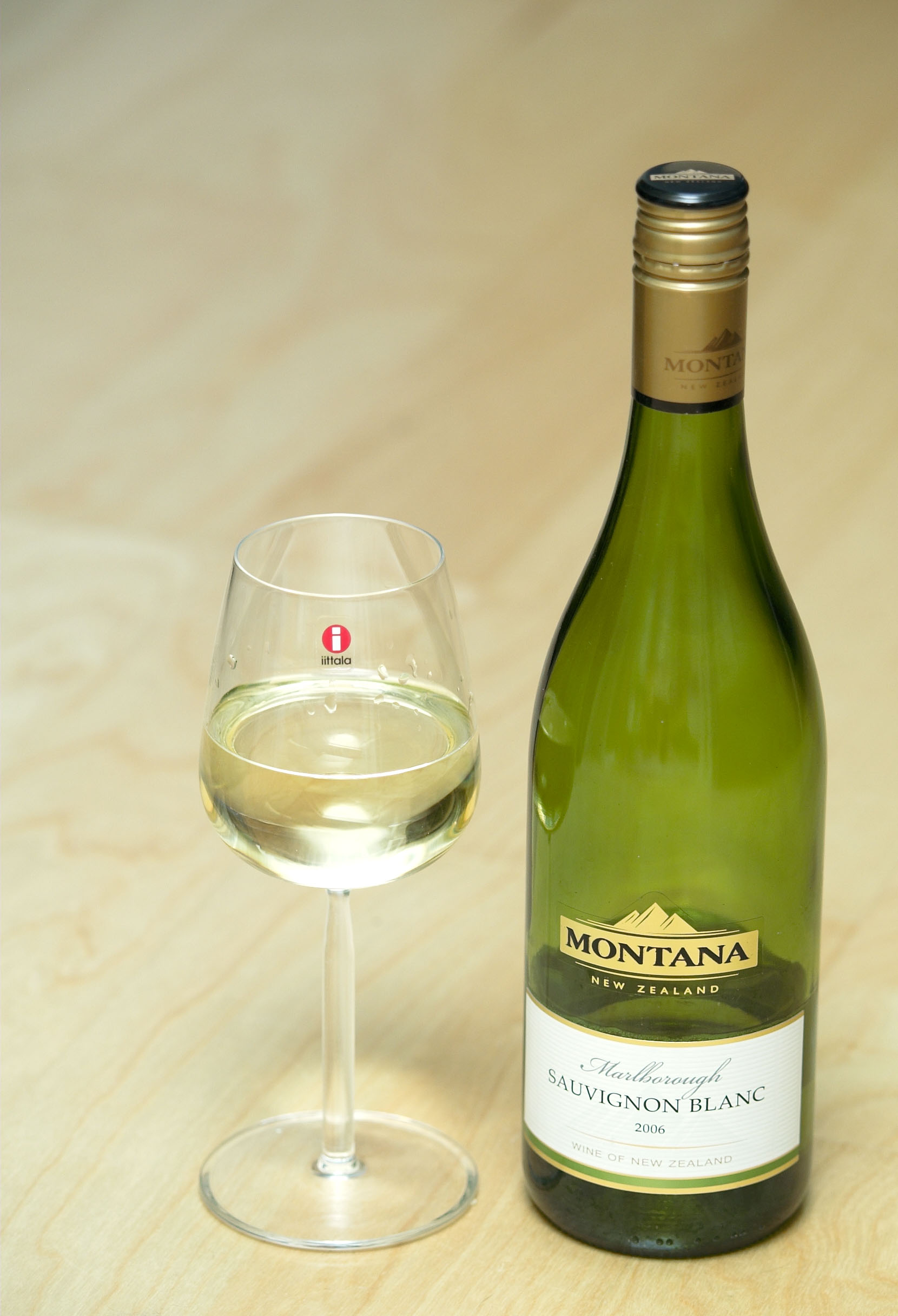 Iittala Weingläser Datei:montana Marlborough Sauvignon Blanc In Iittala Glass.jpg – Wikipedia