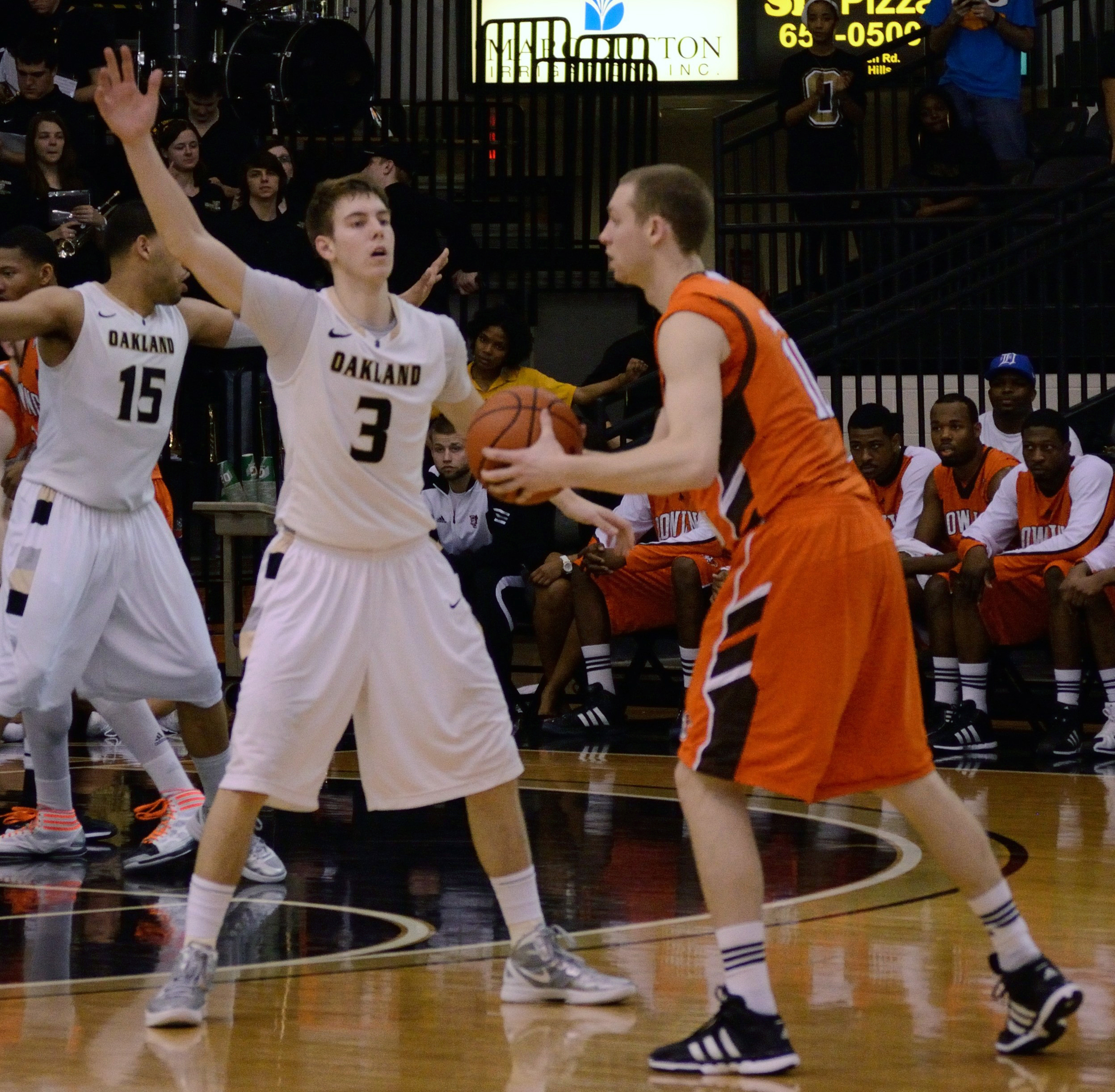 Baeder Vs File Bader Defense Vs Bgsu Cropped Jpg Wikimedia Commons