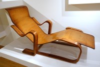File:Isokon reclining chair, designed by Marcel Breuer ...