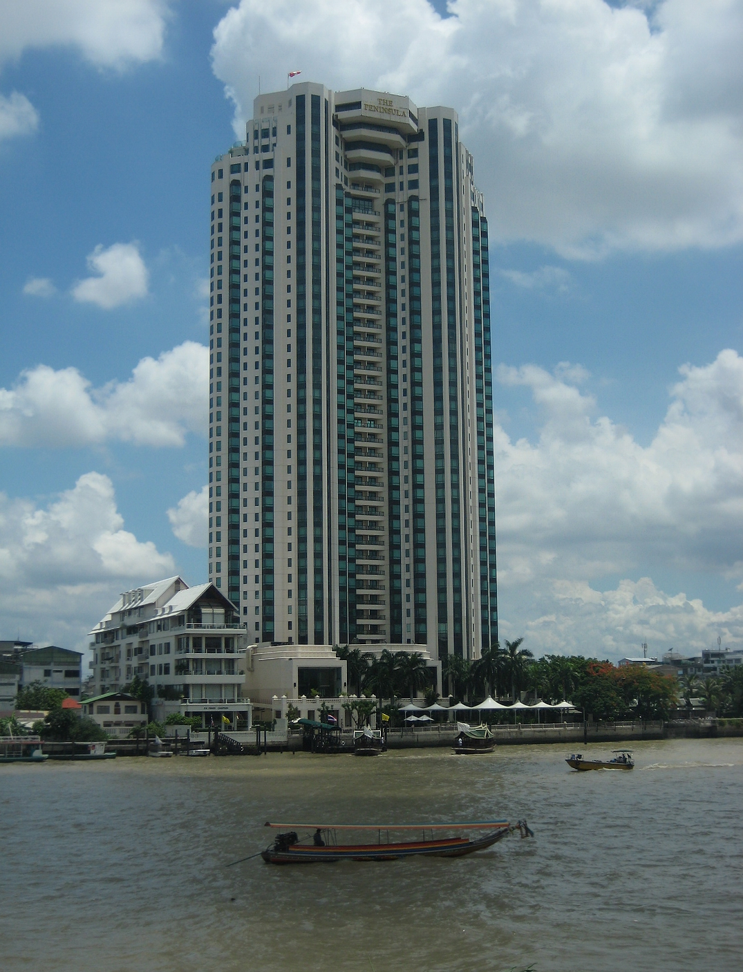 Alex Hotel The Peninsula Bangkok - Wikipedia