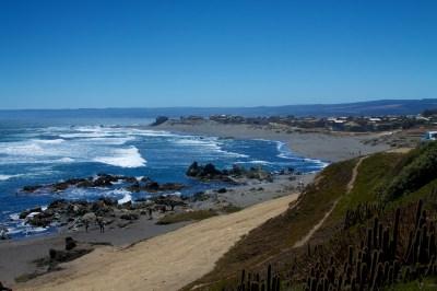 File:Playa la Caletilla, Pichilemu.jpg - Wikimedia Commons