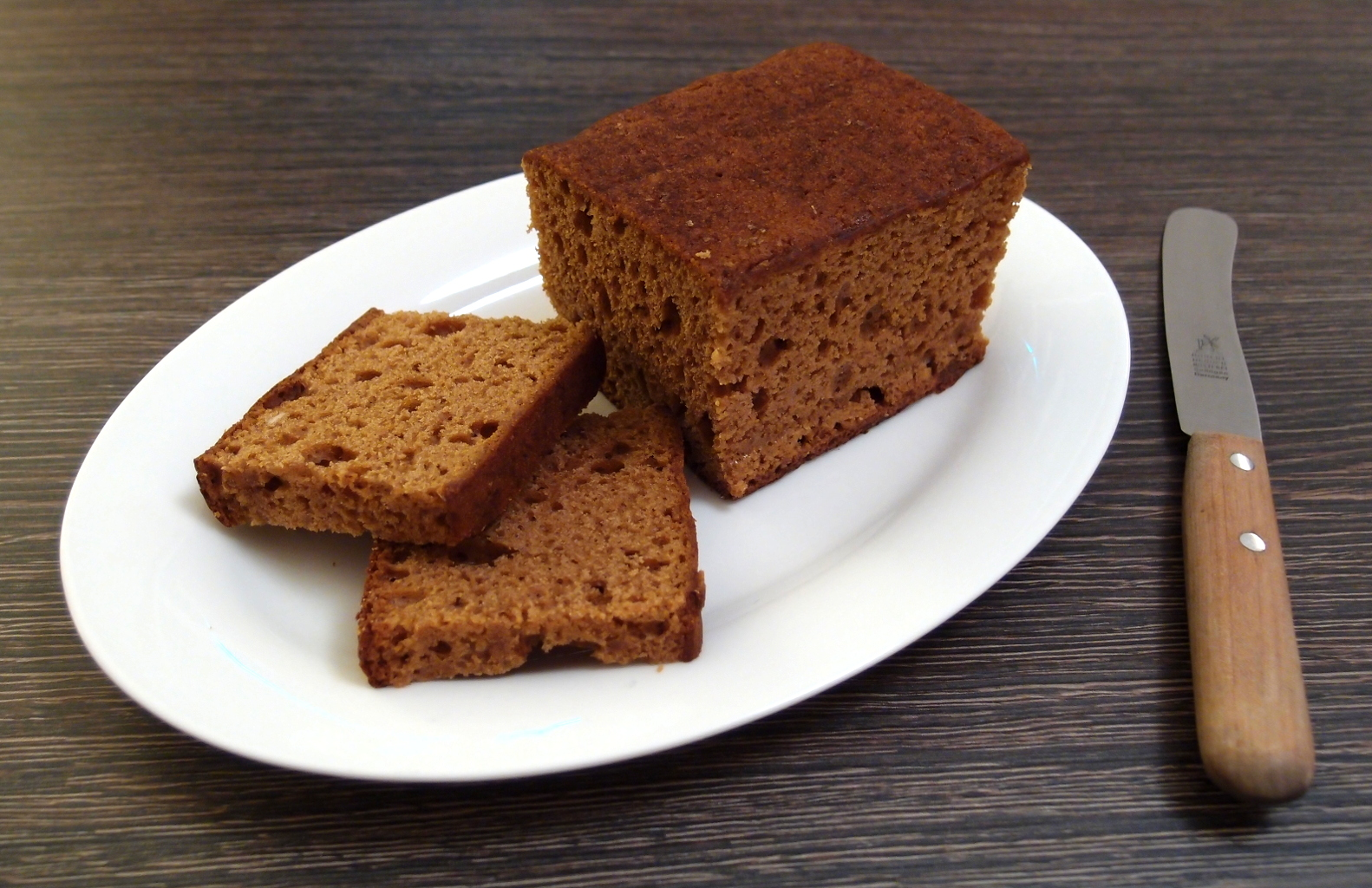Deutsche Kuche Bread File Dutch Style Gingerbread Loaf Cut Open Jpg