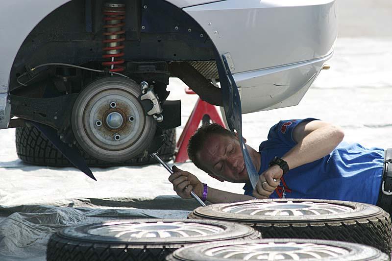 Auto mechanic - Wikipedia
