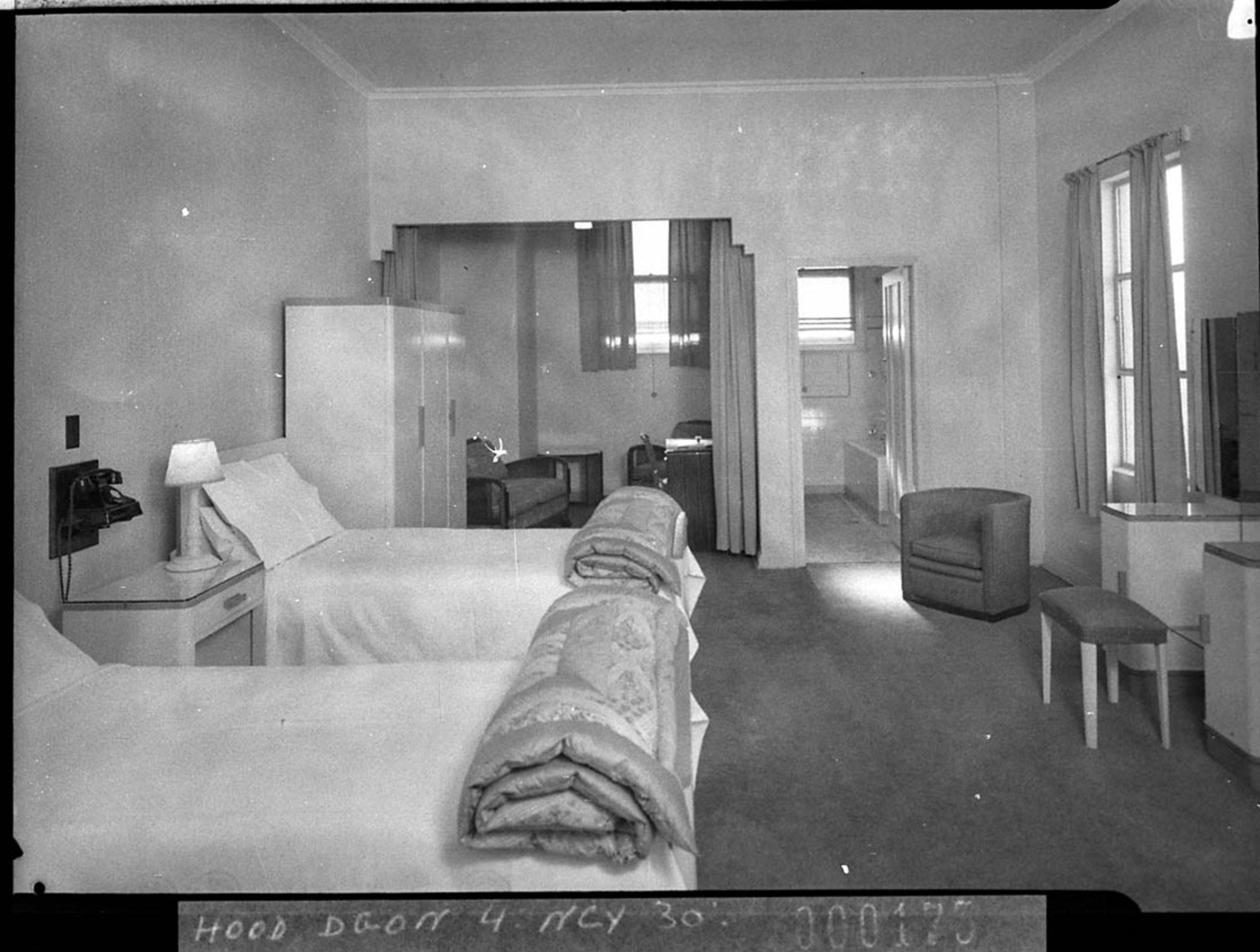 Chambre D Hote Barbizon File Slnsw 11917 One Of The Bedrooms Showing Bathroom And