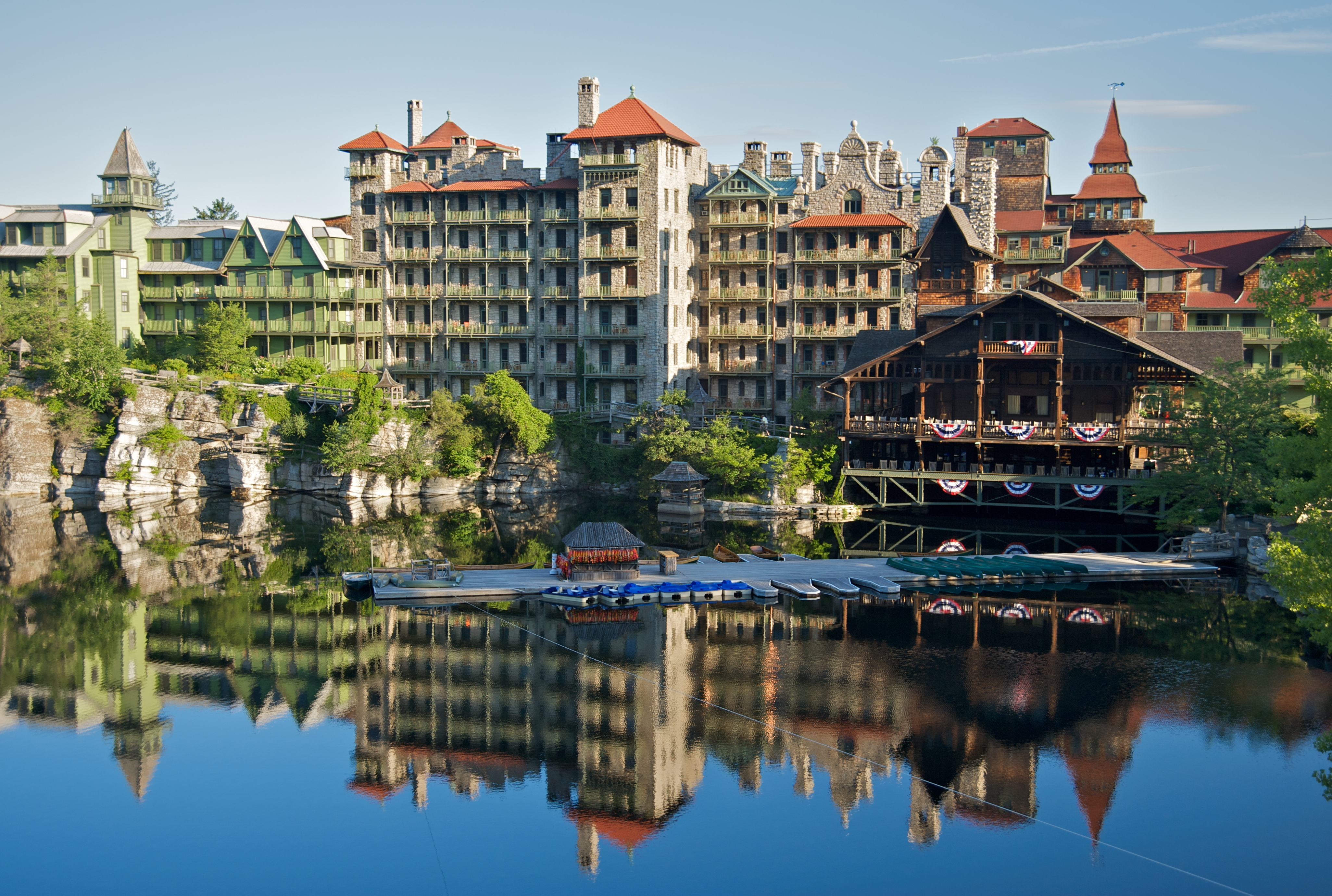 Classic Fall Wallpaper File Mohonk Mountain House 2011 Main Buildings Around Lake