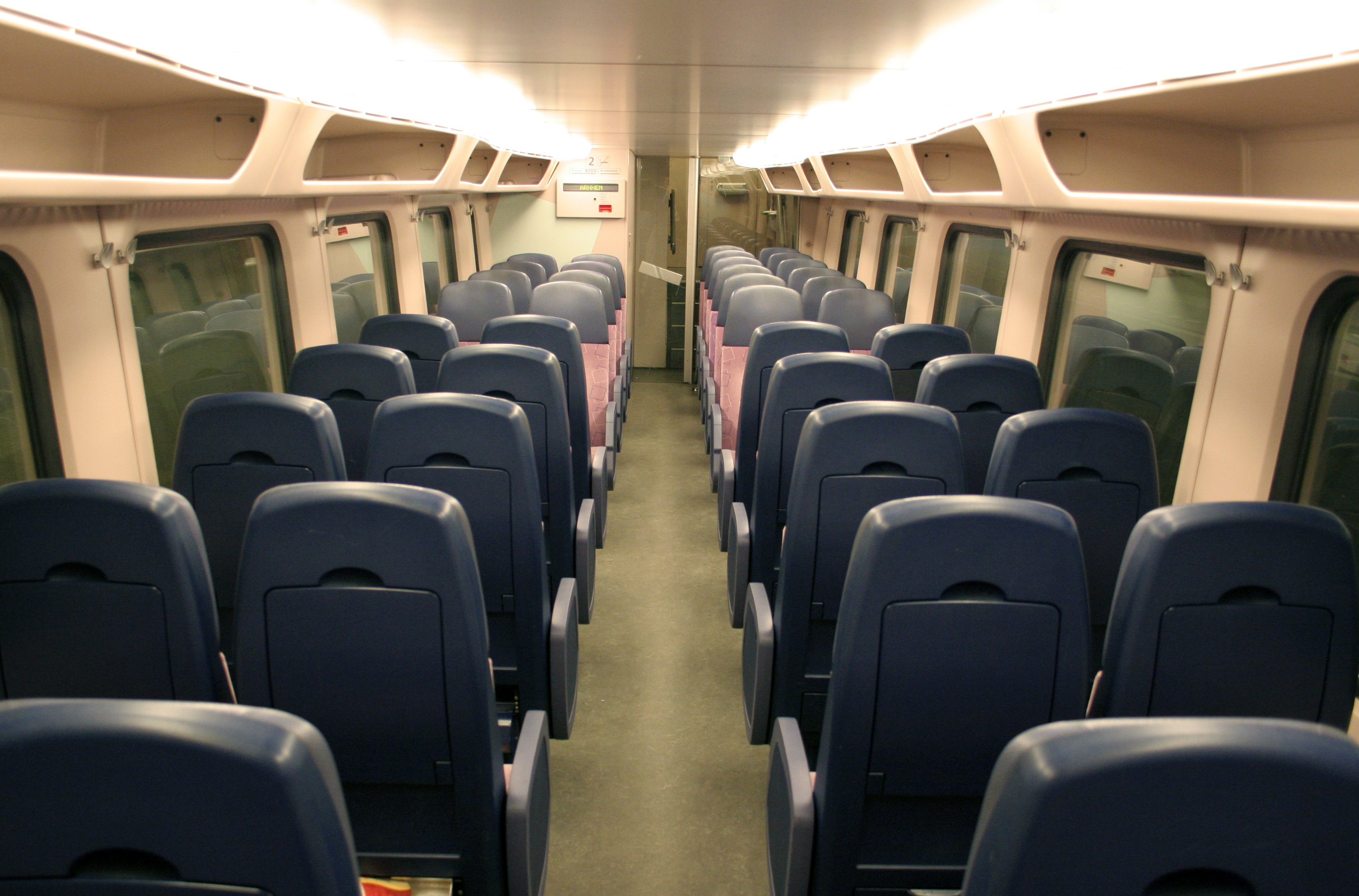 Interieur Trein File Interieur Virm Jpg Wikimedia Commons