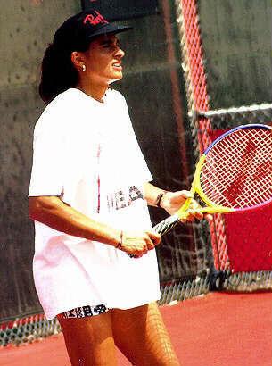 Simple Girl Wallpaper Image Gabriela Sabatini Wikip 233 Dia