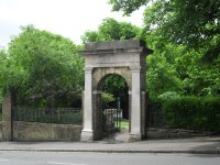 File:Entrance to St Nicholas' Graveyard and Garden of Rest ...