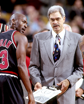 English: Chicago Bulls Michael Jordan and Phil...