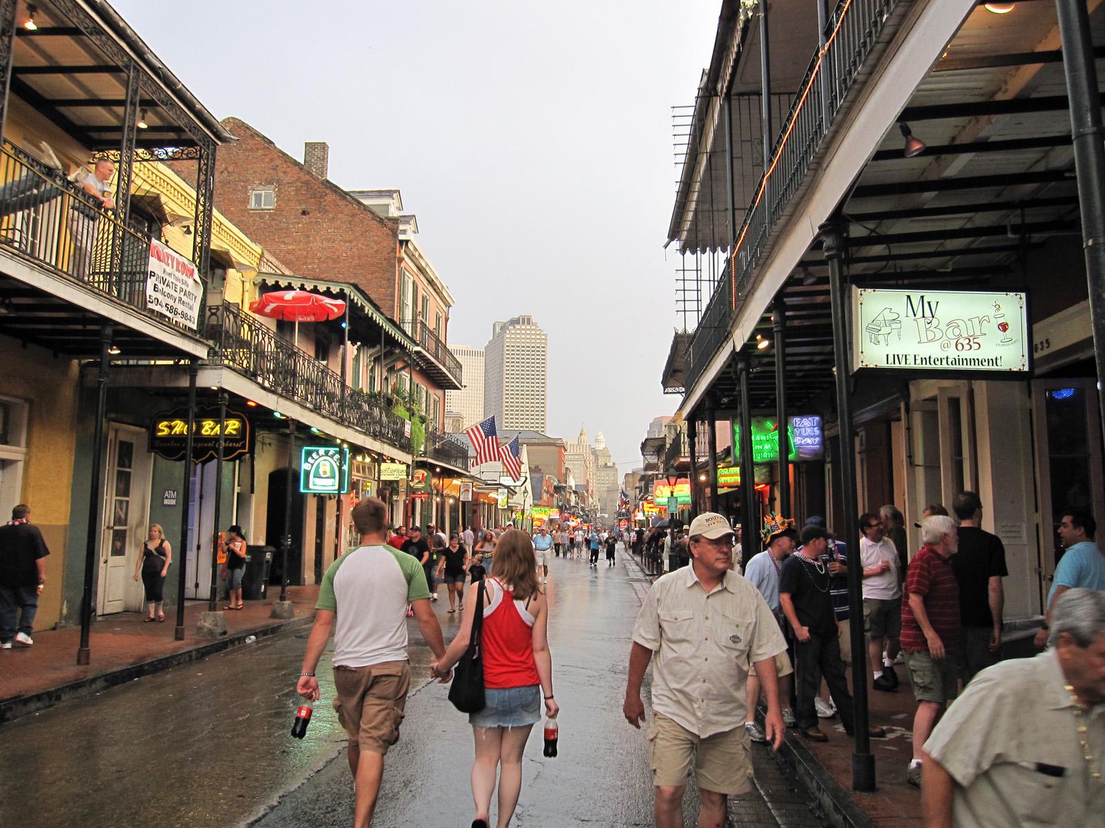 Mardi Gras Wallpaper For Iphone File Bourbon Street New Orleans 8228396717 Jpg