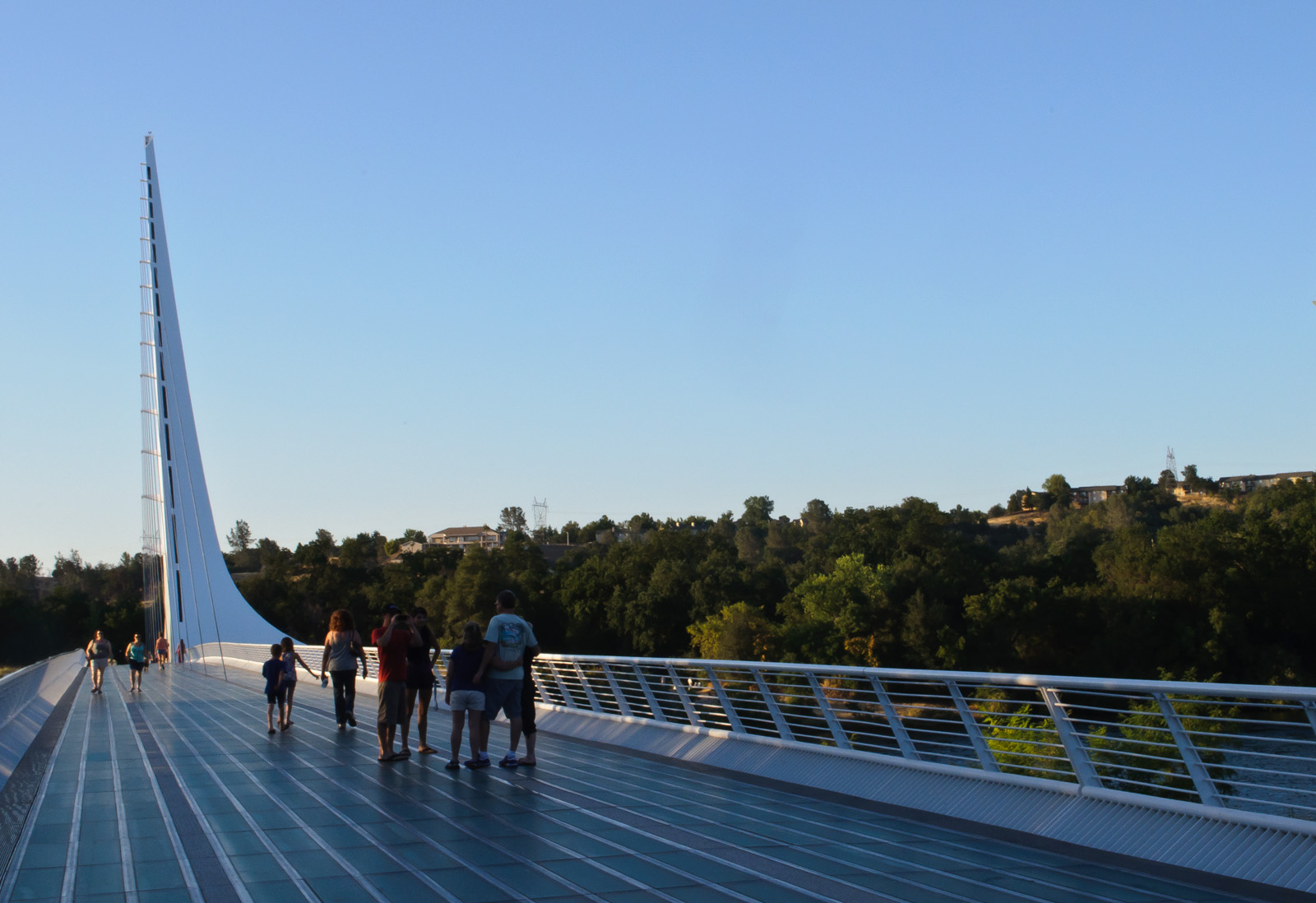 Architect Valencia File:sundial Bridge, Redding (8038347700).jpg - Wikimedia