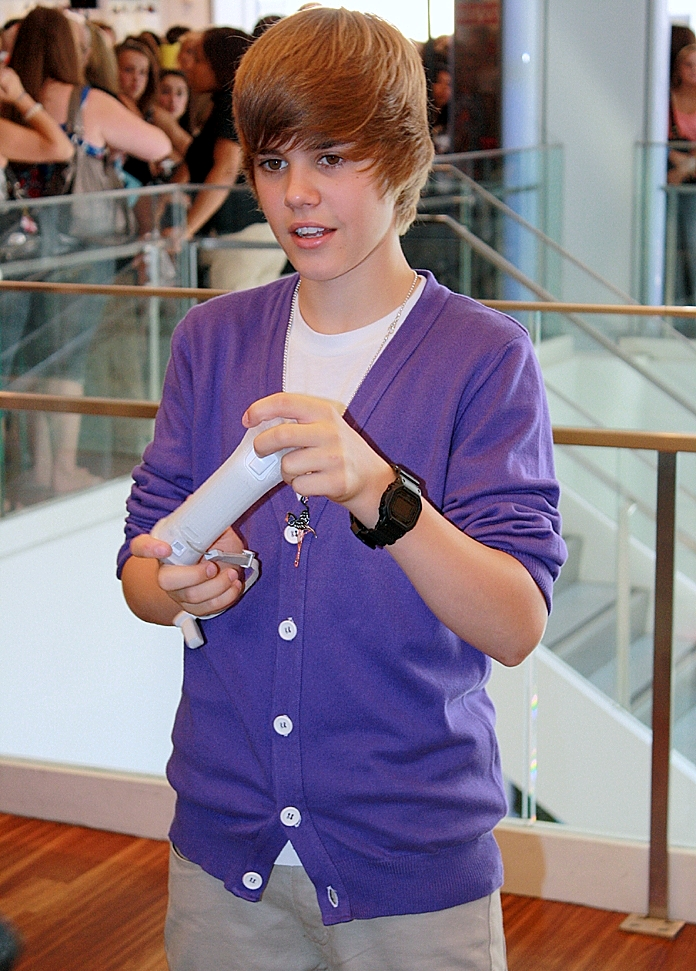 Cute Baby Girl Swing Hd Wallpaper Bigger Justin Bieber Song Wikipedia