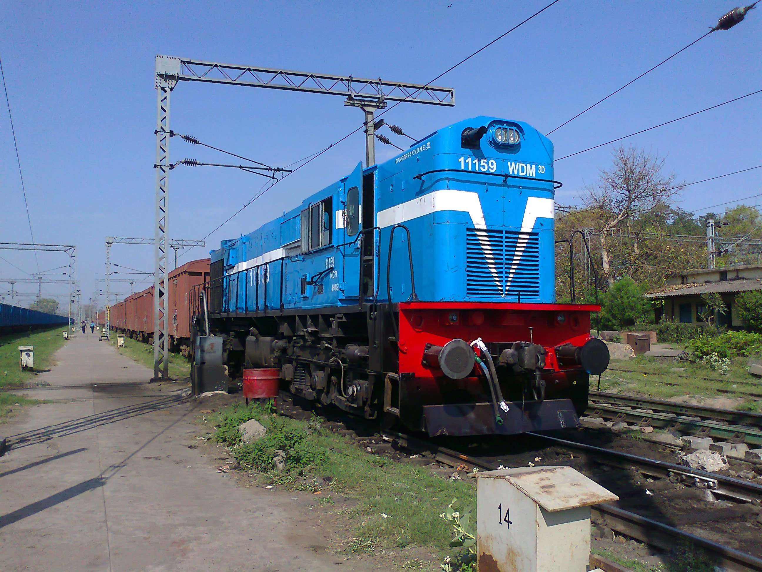 3d Wallpaper In Ludhiana File Freight Train With Wdm3d Loco At Lucknow 01 Jpg